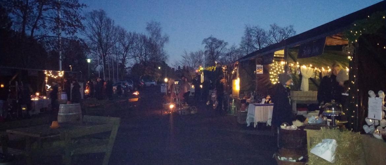 Julemarked om aften